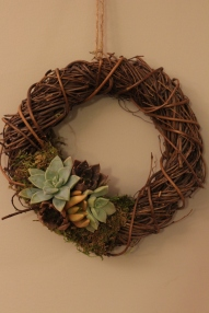 Grapevine Wreath with Succulent Cluster